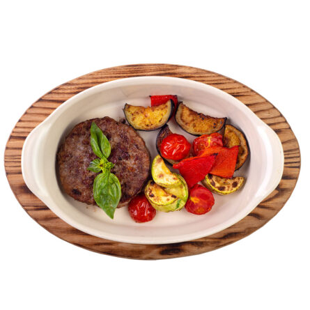 Бифштекс с овощами