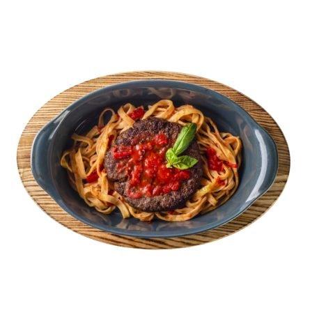Бифштекс с моцареллой и тальятелле в томатном соусе