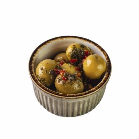 Маринованные оливки в травах